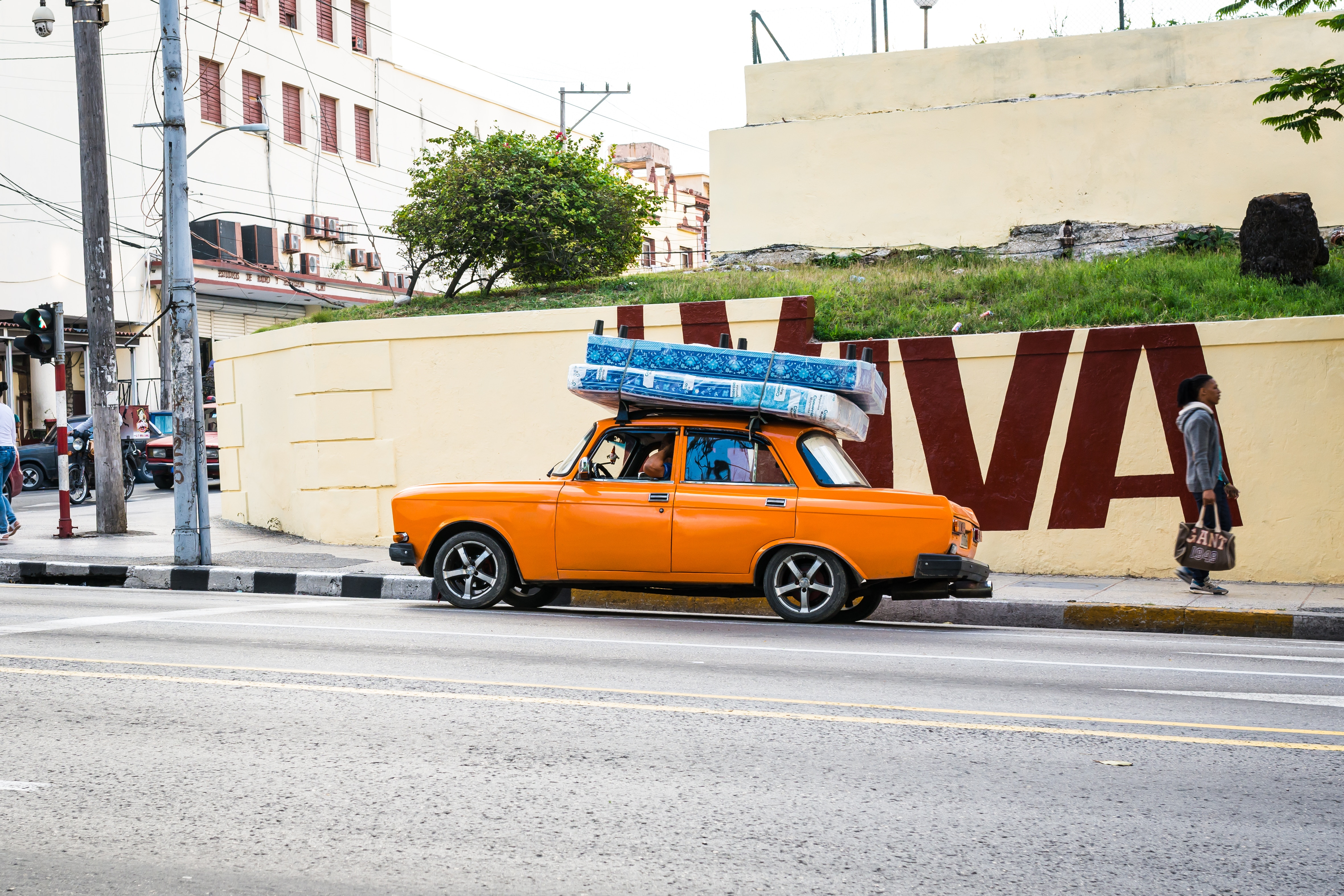 The Wrong Way To Transport A Mattress Goshare