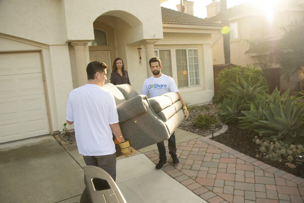 How to Move a Couch Through a Doorway - GoShare